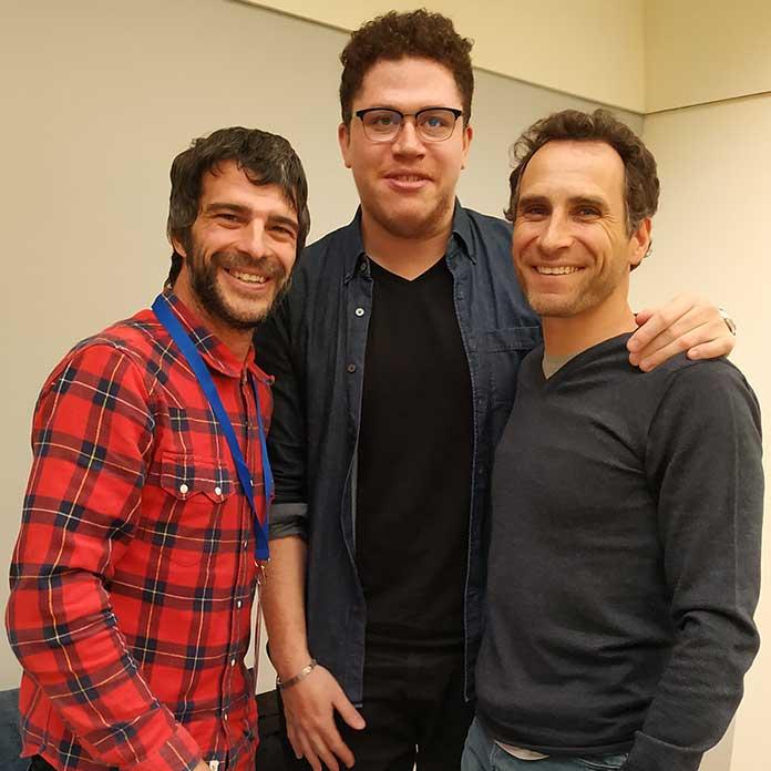 De derecha a izquierda, Jérôme Hamon, David Tako y Daniel Custer, autor de esta entrevista